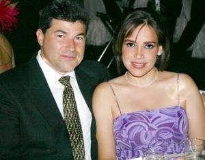 Javier González y Marcela de González.