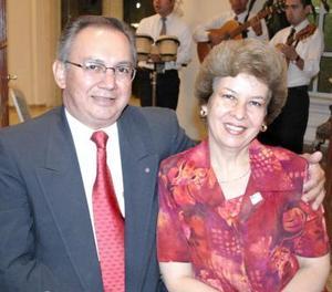 <u><i> 20 de julio </u></i><p>   Víctor Arellano e Irma de Arellano.