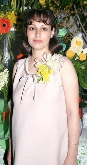 Brenda Angélica García de Chávez, disfrutó de una fiesta de canastilla con motivo del cercano nacimiento de su primer bebé.