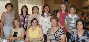 Lety Romero, Coco Ávila, Abby Álvarez, María Luisa Alcalde, Lourdes Duarte, Graciela González, Martha Campos, Tere Gómez, Dora Izquierdo y Teresita Alanís.
