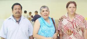 <u><i> 20 de julio</i></u><p>  Sonia Morales viajó a Tijuana, la despidieron Juan Rodríguez y Guadalupe Castro.