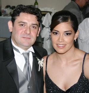 Óscar Ortiz y Brenda de Ortiz.