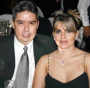 Ricardo Mendoza y Berenice de Mendoza.