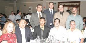 Carlos Miranda, Luis Campos, Raymundo González, Luis Hernesto Arroyo, Eduardo García, José Guerrero, Ricardo Cervantes, José Sotomayor y Katy Garza.