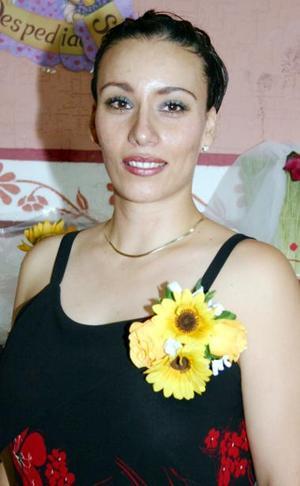 <u><i> 22 de julio </u></i><p>  Silvia Cecilia Castañeda Saracho contraerá matrimonio con Gerardo Vázquez Barrón, el próximo 13 de agosto.