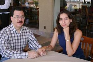Carlos Robles Ramírez y Beatriz G. de Robles.