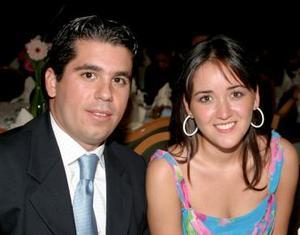 Paco de León y Sofía López.