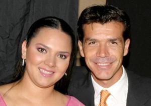 Mónica López de Borgetti y Jared Borgetti.