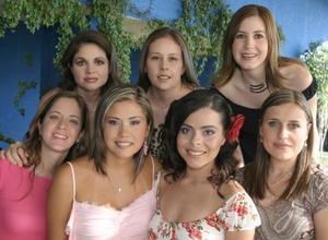 Daniela Rodríguez,, Paty Mitre, Lilia Sánchez, Valeria Valencia, Massiel Manzanera y Mary Vázquez, acompañaron a Sonia García Guzmán en su festejo.