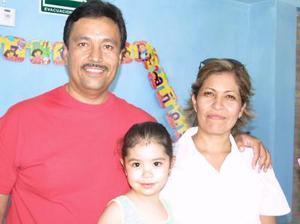 <i><u> 23 de julio </i></u><p>  Melissa Mena Salazer cumplió tres años de vida y sus papás, Manuel Humberto MEna y Mely Salazar de Mena, la festejaron con un divertido convivio.