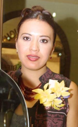 Claudia Robles Gallegos fue despedida de su soltería, con motivo de su cercano matrimonio.