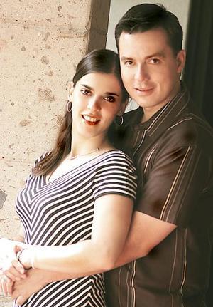 <u><i> 24 de julio </u></i><p>   Susana Rimada Sánchez y Willy Azarcoya Alemán.