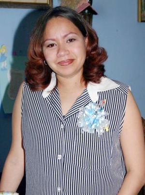 <u><i> 24 de julio </u></i><p>   Martha Lizeth Jiménez de Santa Ana recibió obsequios varios, en su fiesta de canastilla.