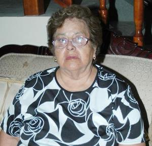 Gloria Sariñana Quirós festejó su cumpleaños, con un agradable convivio que se le ofreció en días pasados.