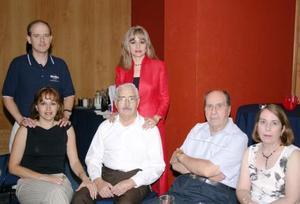 Luis Arenal, Beatriz Mijares de Arenal, María de los Ángeles Mijares, Manuel Mijares, Domingo Tueme y Pegy Tueme.