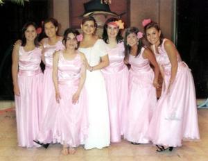 Marcela Bollaín el día de su enlace matrimonial acompañada de sus amigas.