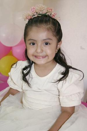 Frida Sofía Reyes Salazar cumplió tres años de vida y los celebró con un divertido convivio infantil en días pasados