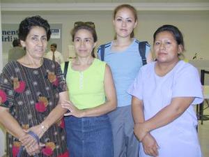 <u><i> 25 de julio</i></u><p>  Isabel Baltazar e Isabel Delgado viajaron con destino a Estados Unidos, por lo que acudieron a despedirlas Adelina Pérez y Margarita Delagado.