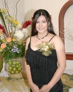 Beatriz Vargas Jiménez, contraerá matrimonio con Felipe Martínez González el próximo siete de agosto