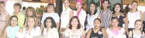 <i><u> 26 de julio</i></u><p>   Secretarias de una empresa del ramo zapatero festejaron su día.