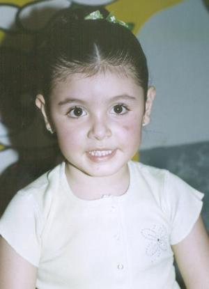 <i><u> 27 de julio </i></u><p>   Valeria Elizabeth Rodríguez Canales, recibió lindos obsequios en la fiesta que le organizaron con motivo de su cuarto cumpleaños.