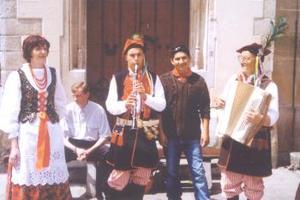 José Manuel Macías Ramírez captado en la plaza principal de Cracovia, Polonia, en su más reciente viaje por aquel país europeo.