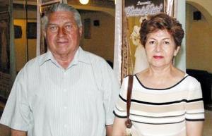 Ricardo Acosta y rosa María de Acosta.