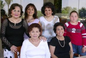 Gabriela Díaz, Esperanza de la Rosa, Teresa de la Rosa, Consuelo de la Rosa, Lupe de Noriega y Sofía Goytortua.
