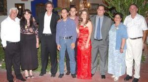 Irene Kotsifakis Vlachandrea y Filiberto Cepeda flores contraerán matrimonio en breve y por tal motivo, se les ofrecio un agradable convivio al cual asistieron familiares y amigos.