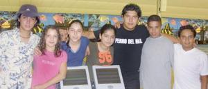 Javier, Yaet, Anabel , Ana Laura, Juancita, Ricardo y Crispín.