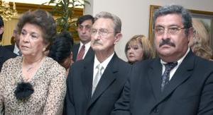 Sergio Berlanga, Bertha de Berlanga y Sergio Berlanga Espinoza, en pasado festejo  social.