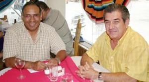 <i><u> 28 de julio</i></u><p>  Mario Zugasti Rodríguez y Jesús Yepez Peña.