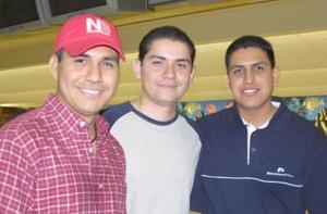 Gilberto, Carlos y Óscar.