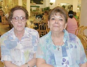 Herlinda Murra y Artemisa Arellano de Helguera.