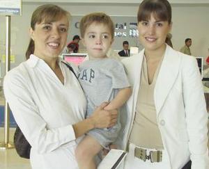 Gabriela Díaz de León, Vivis García y José García viajaron a Houston, Texas.