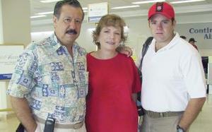 <u><i> 28 de julio</i></u><p>  Jaime Aguilera, Laurette S. de Aguilera y Javier Aguilera volaron a San Diego, California.