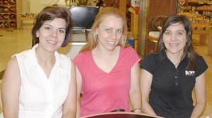 Adriana de Rivera, Mónica Ramírez y Marcela Pedroza.