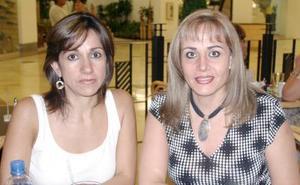 Dora Juárez de Martínez y Lorena Ramos de Quevedo.