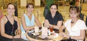 Silvia Soto, Cecy Zorrilla, Mónica Ramírez y Ale de la Fuente.