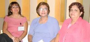 Margarita Aranda, Martha O. de Flores y Rosalinda de Salazar.