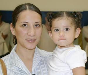 Karla de Tafoya y Valentina Tafoya C.