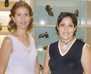 Rocío Muñoz y Ana Patricia de Zertuche.