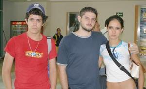 Ricardo Salas, Víctor Albores y Alejandro Salas.