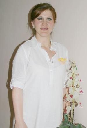<u><i> 31 de julio </u></i><p>   Maribel Bitar de Castillo recibió sinceras felicictaciones, por el cercano nacimiento de su bebé.