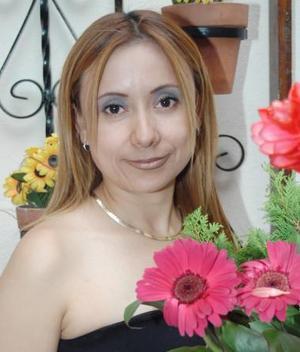 <u><i> 31 de julio </u></i><p>  Irma Pineda García captada en el festejo pre nupcial que le ofrecieron, con motivo de su cercano enlace matrimonial con  Alejandro Jara Vázquez.