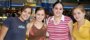 Ana Arias, Ana I. Rivera, Andrea Teele y Mariana Webb.