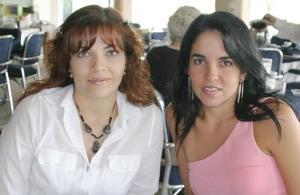 Mónica Zarzar y Esther Garza.
