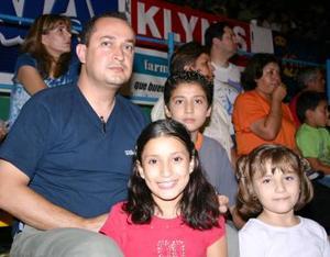 Raymundo, Ray, Marlene, y Jenifer
