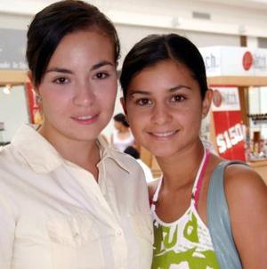 Marina Portal y Laura Juárez.