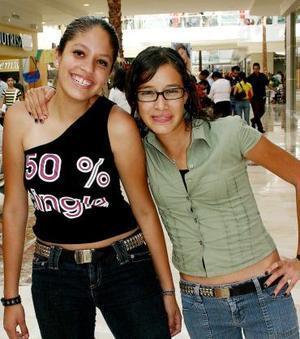 Pamela Olloqui y Karla Aramburo.